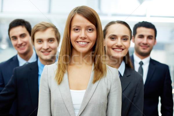 ストックフォト: かなり · 雇用者 · 幸せ · 女性実業家 · 見える · カメラ