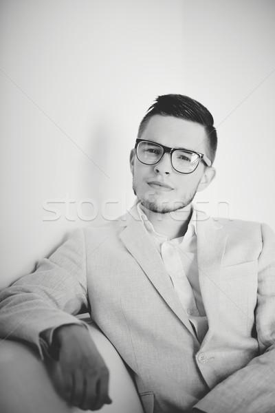 Elegáns férfi portré vonzó férfi hivatalos Stock fotó © pressmaster