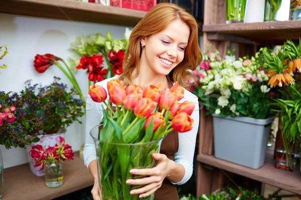 Fleuriste tulipes portrait jeunes Homme grand Photo stock © pressmaster