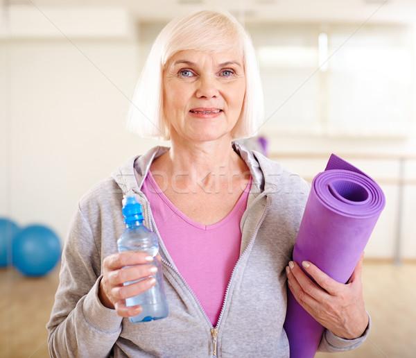Gotowy treningu portret kobieta butelki Zdjęcia stock © pressmaster