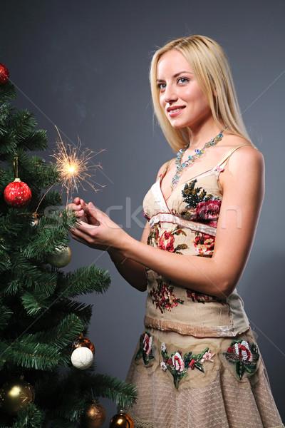 魅力のある女性 肖像 小さな 線香花火 クリスマスツリー ストックフォト © pressmaster