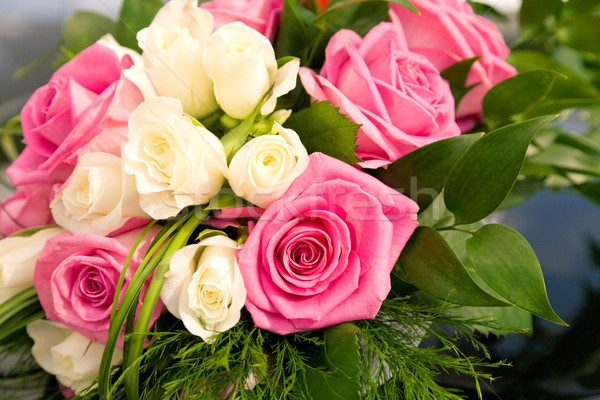 Güller renkli buket dekore edilmiş yeşil yaprakları Stok fotoğraf © pressmaster
