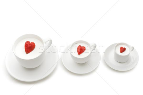 Stock fotó: Három · csetepaté · csészék · különböző · méret · bogyók