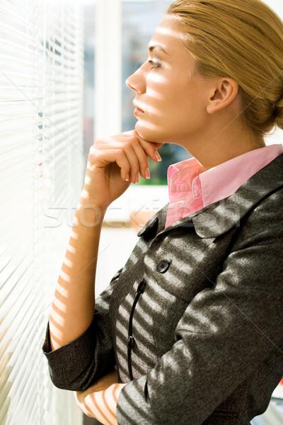 Gedachten profiel ernstig vrouw naar jaloezie Stockfoto © pressmaster