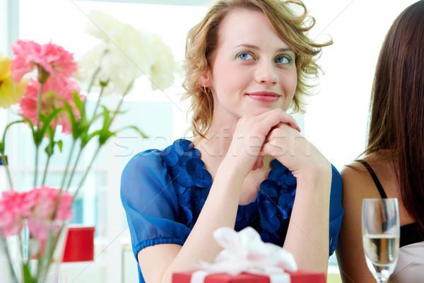 Menina jovem beautiful girl sessão café Foto stock © pressmaster