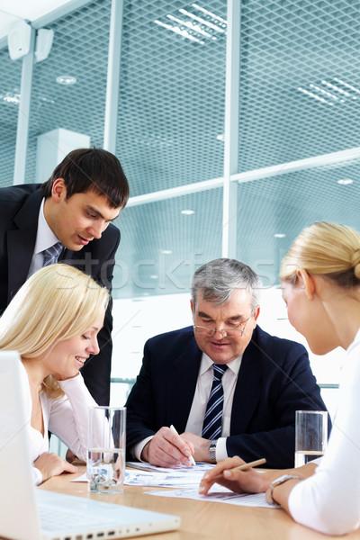 Foto stock: Negocios · debate · equipo · de · negocios · importante · hombre