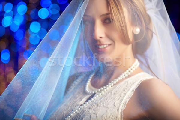 Portret verloofde glimlachend bruid witte sluier Stockfoto © pressmaster