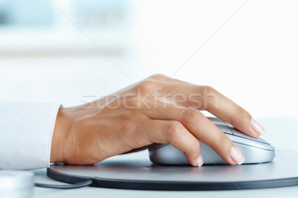 Zdjęcia stock: Kliknij · obraz · kobiet · strony · mysz · komputerowa · działalności