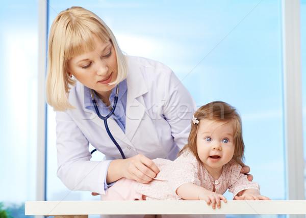 Gyermekorvos munka elvesz törődés baba kórház Stock fotó © pressmaster