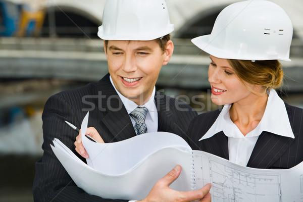 Architettonico piano femminile lavoratore business Foto d'archivio © pressmaster