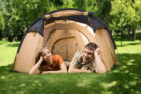 çift fotoğraf yeşil ot çadır Stok fotoğraf © pressmaster