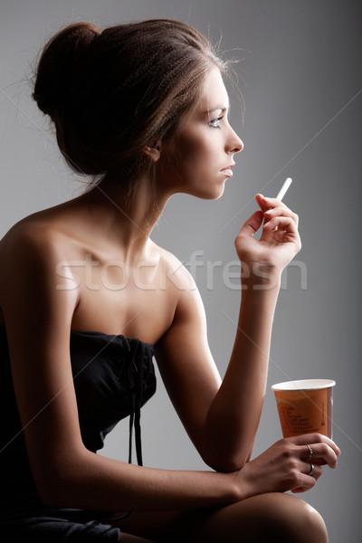 Posh fille portrait élégante Homme fumer Photo stock © pressmaster