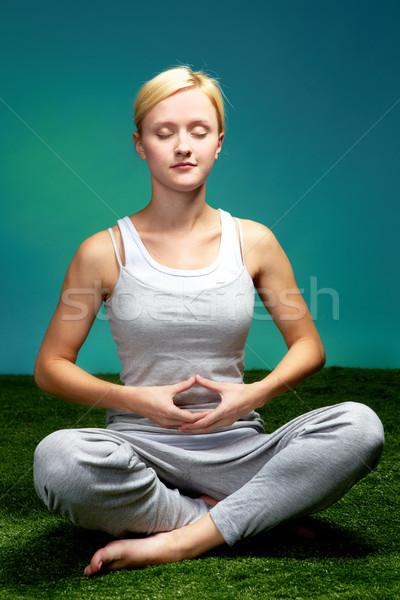 Szellem képzés portré fiatal meditál nő Stock fotó © pressmaster