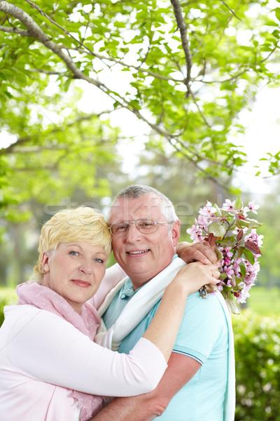 Tendresse heureux maturité couple regarder Photo stock © pressmaster