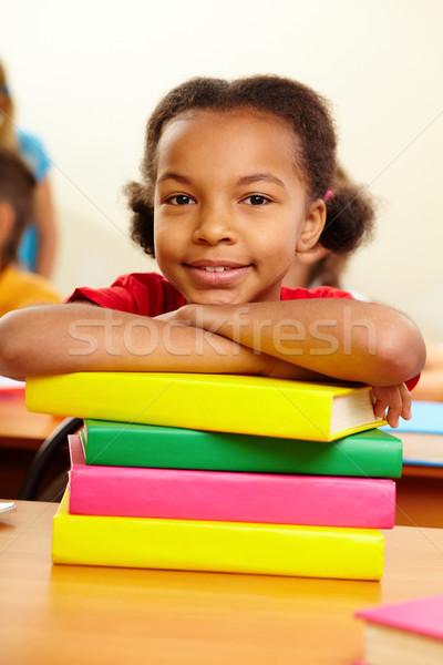 Fiatalos olvasó portré lány boglya könyvek Stock fotó © pressmaster