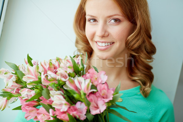 Dziewczyna bukiet portret dość różowy Zdjęcia stock © pressmaster