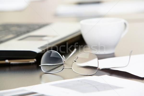 Сток-фото: бизнеса · объекты · документы · очки · Кубок