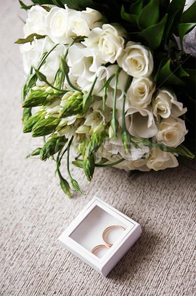Сток-фото: два · кольцами · небольшой · декоративный