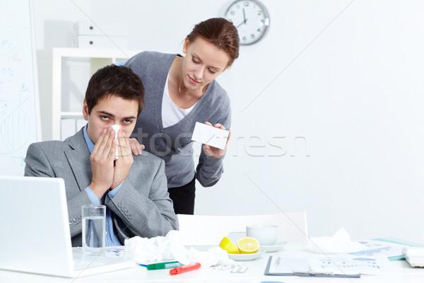 предлагающий медицина изображение бизнесмен носовой платок Сток-фото © pressmaster