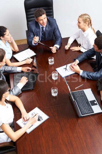 Trabalhando equipe acima ver amigável planejamento Foto stock © pressmaster