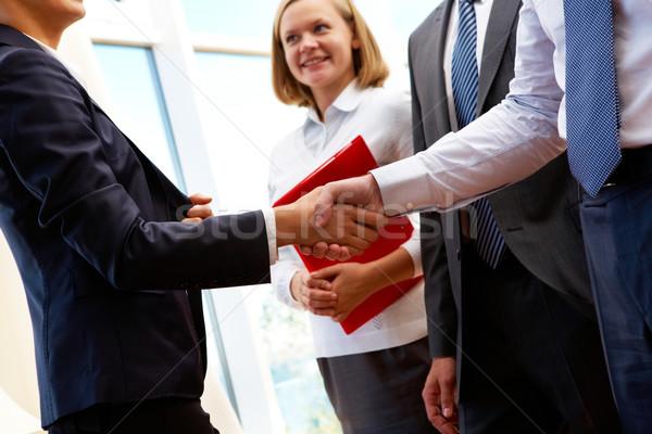 дело изображение Бизнес-партнеры рукопожатие подписания новых Сток-фото © pressmaster