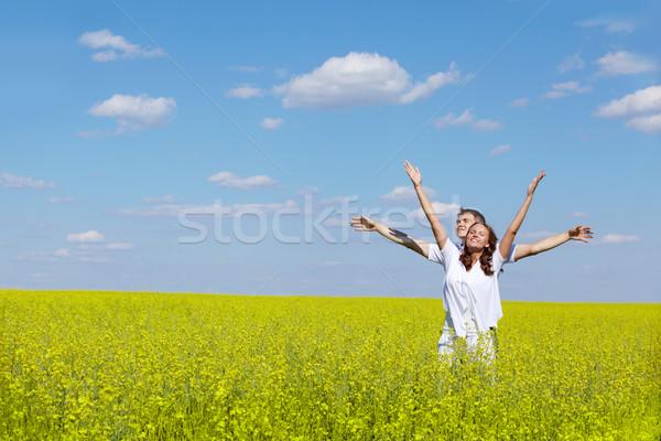 Zdjęcia stock: Wolności · obraz · radosny · dziewczyna · chłopak · stałego