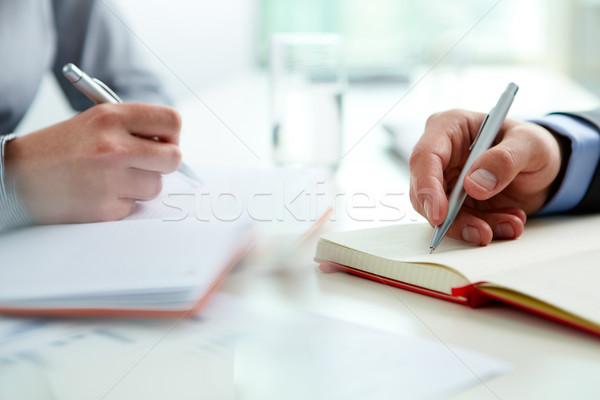 Affaires équipe deux courant écrit Photo stock © pressmaster