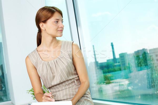 Pozitív gondolkodásmód üzlet hölgy elvesz néz Stock fotó © pressmaster