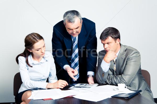 ビジネスチーム 画像 上司 説明書 ビジネス 小さな ストックフォト © pressmaster