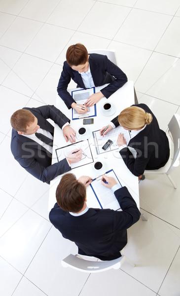 индивидуальный работу изображение деловые люди рабочих документы Сток-фото © pressmaster