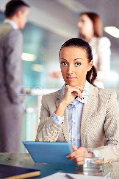 деловая женщина touchpad портрет сотрудник глядя камеры Сток-фото © pressmaster