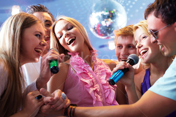 Retrato caras meninas cantando festa juntos Foto stock © pressmaster