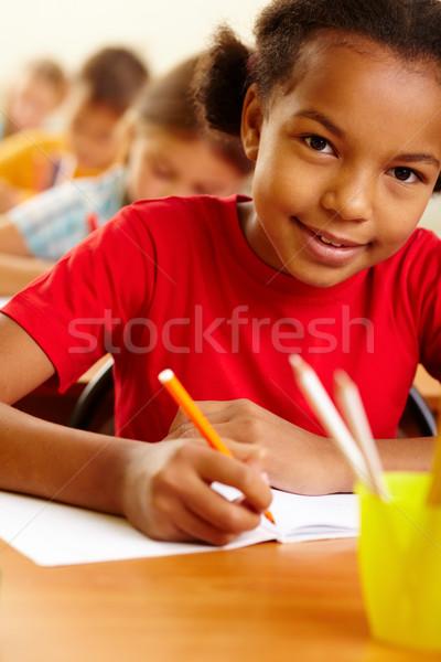 Szorgalmas portré lány rajz zsírkréták lecke Stock fotó © pressmaster