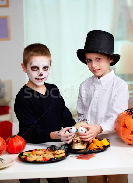 Хэллоуин испуг фото близнец мальчики Сток-фото © pressmaster