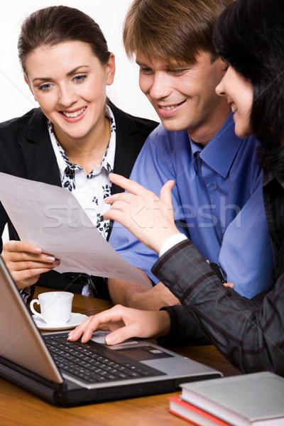 Demonstráció kettő üzlet nők projekt mosoly Stock fotó © pressmaster