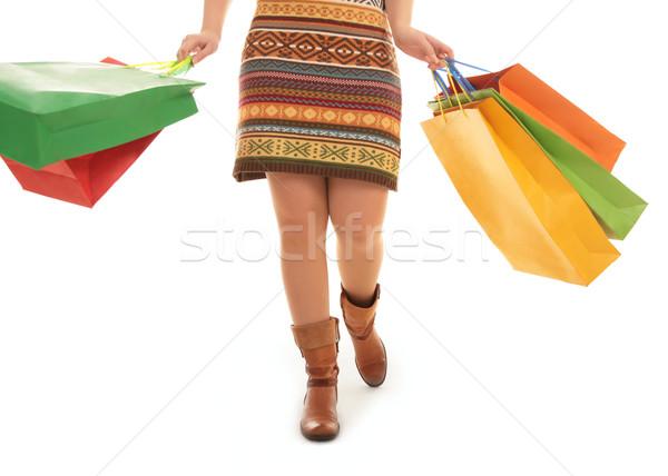 Nagyszerű vásárlás kép nő sétál hát Stock fotó © pressmaster