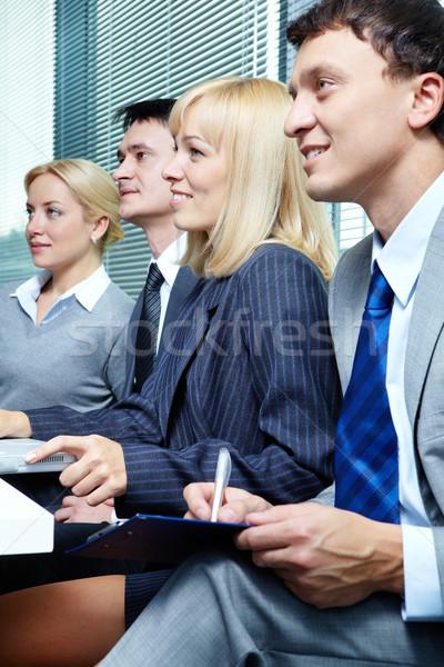 Foto stock: Conferência · quatro · pessoas · de · negócios · trabalhando · negócio · mulher