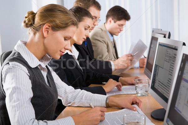 Előadás portré emberek ül vonal néz Stock fotó © pressmaster