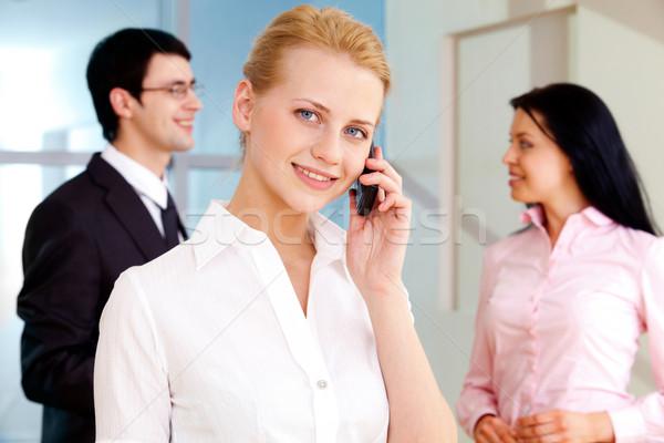 Teléfono conversación imagen bastante empleado Foto stock © pressmaster