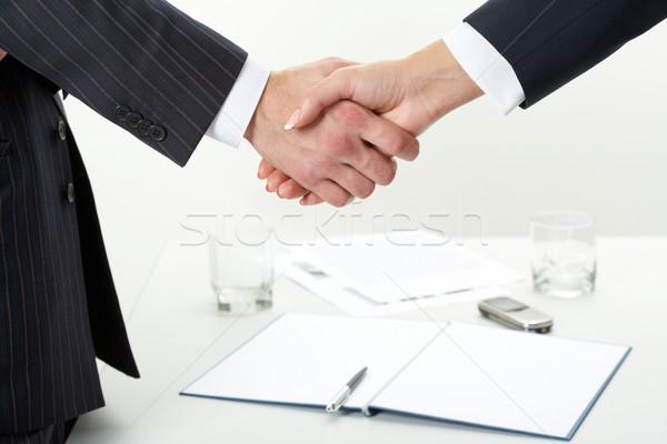 Stock fotó: Hivatalos · üdvözlet · közelkép · kettő · kézfogás · papír