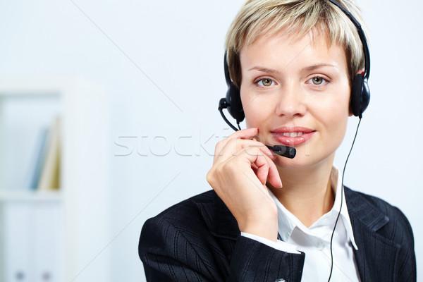 Feminino recepcionista retrato atraente fone trabalhar Foto stock © pressmaster