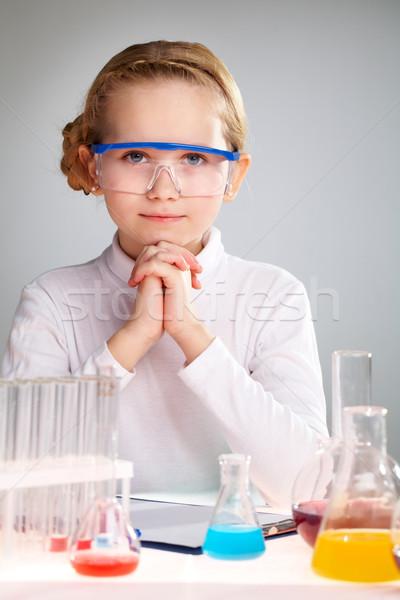 Wetenschap verticaal portret enthousiast meisje liefhebbend Stockfoto © pressmaster