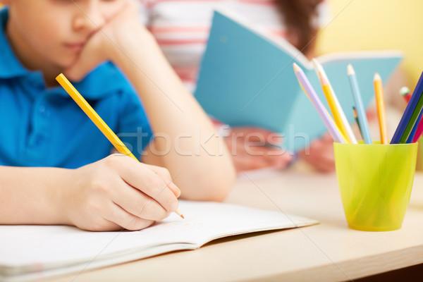 Aprendizaje elaborar retrato inteligentes chico dibujo Foto stock © pressmaster