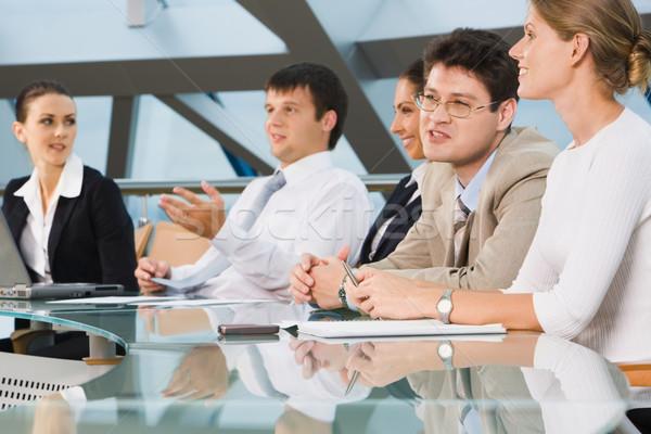 équipe commerciale séance vitreux table importante Photo stock © pressmaster