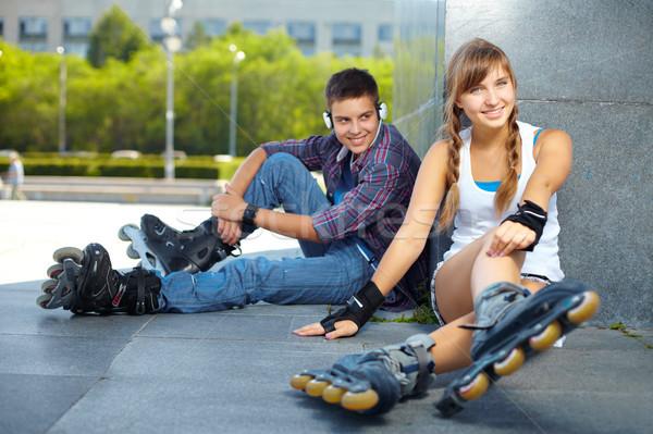 Barátok szabadidő pár boldog tinédzserek szabadidő Stock fotó © pressmaster