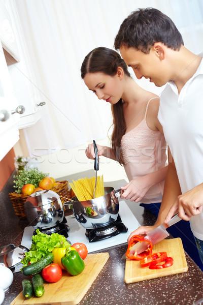 Stok fotoğraf: Pişirme · makarna · portre · aşk · çift · mutfak