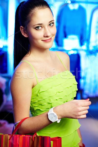 девушки одежду отдел портрет красивая женщина глядя Сток-фото © pressmaster