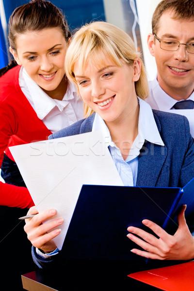 Sikeres vállalkozó portré olvas üzlet megbeszélés Stock fotó © pressmaster