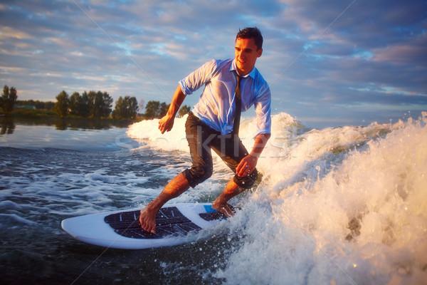 Meer Abenteuer tätig junger Mann Surfen Resort Stock foto © pressmaster