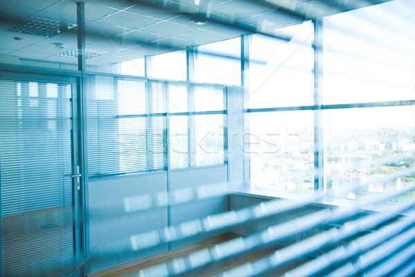 Folyosó kép irodaház nagy ablakok iroda Stock fotó © pressmaster